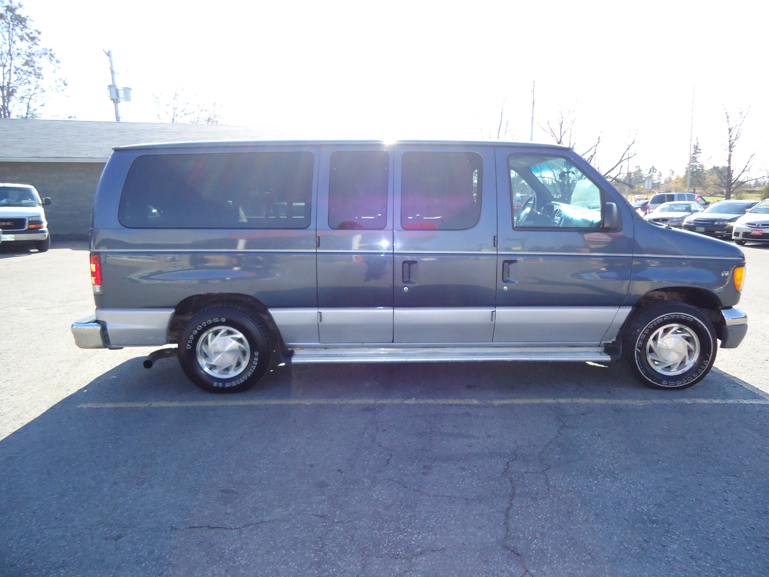 1998 Ford Club Wagon CHATEAU 7 PASSENGER (5) | Bob Currie