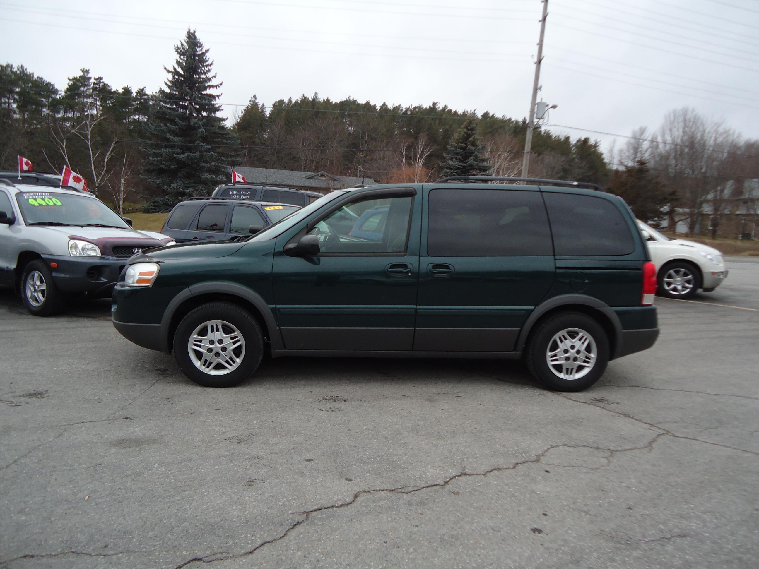 2005 pontiac montana sv6 green 4 bob currie auto sales. Black Bedroom Furniture Sets. Home Design Ideas