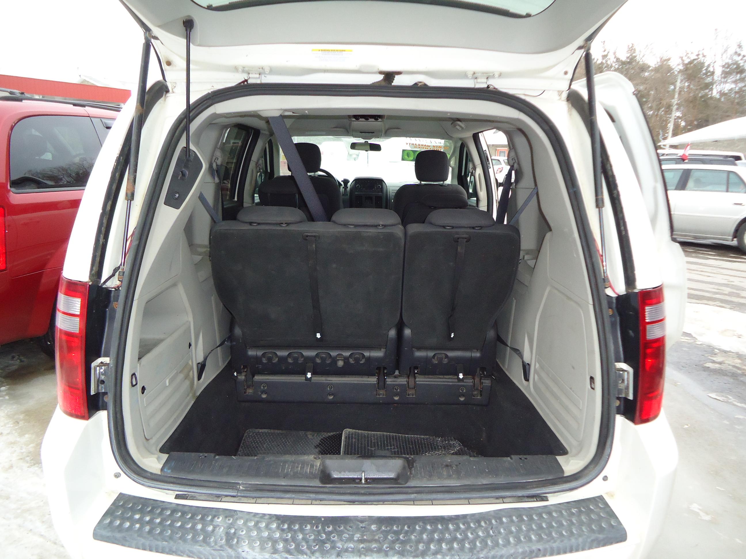 2008 dodge caravan sxt stow n go white 10 bob currie auto sales. Black Bedroom Furniture Sets. Home Design Ideas