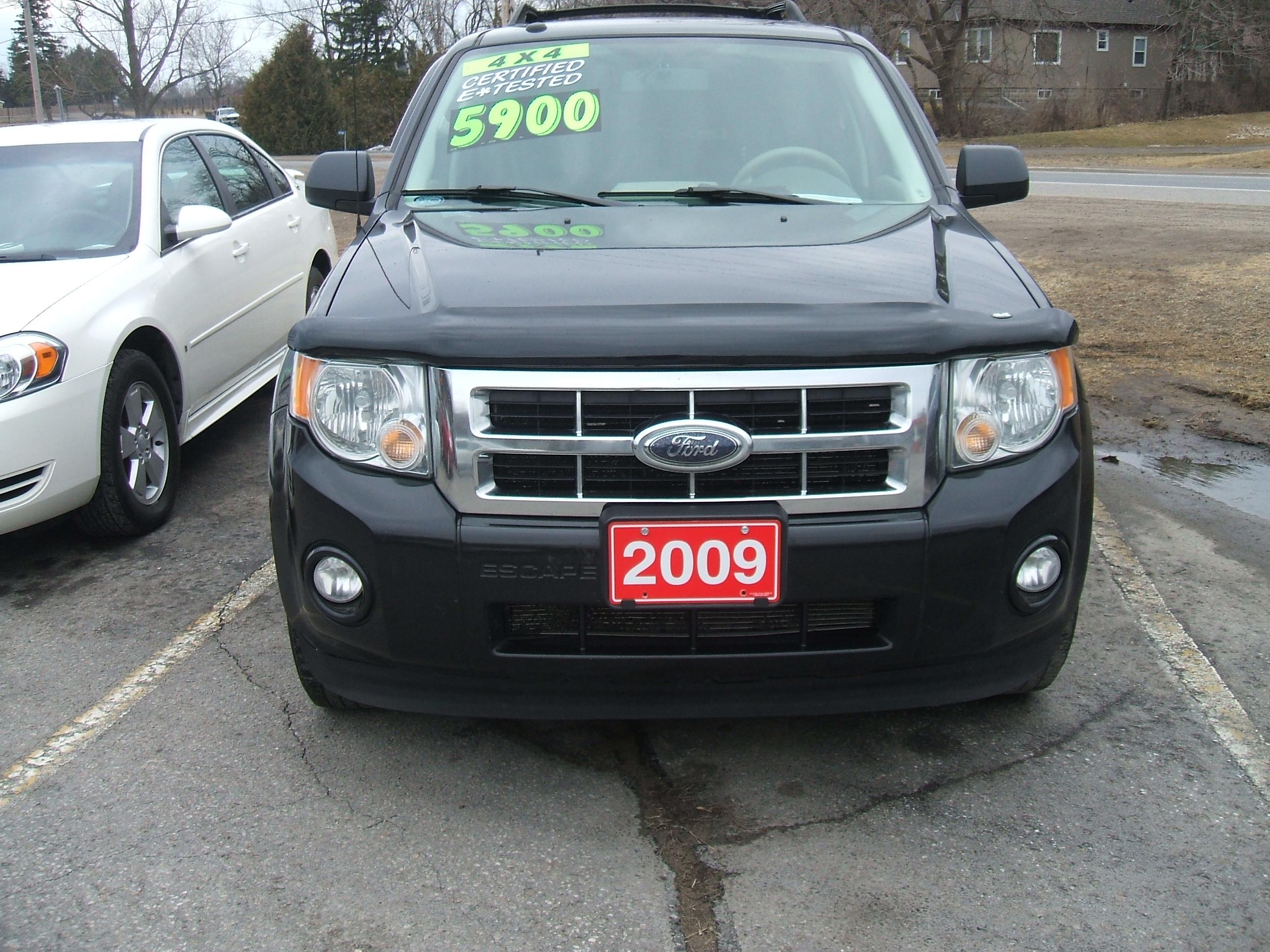 2009 FORD ESCAPE XLT 4X4 INTERIOR (3) | Bob Currie Auto Sales