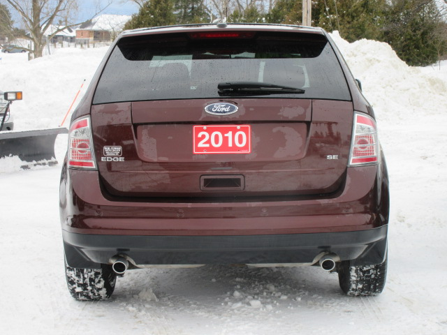 Ford Edge In Snow