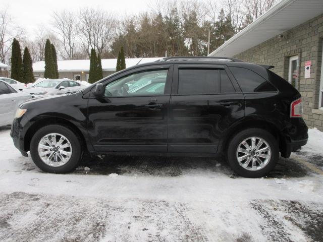 Ford Edge Black Snow Pic