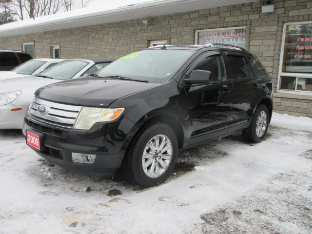 Ford Edge Black Snow Pic